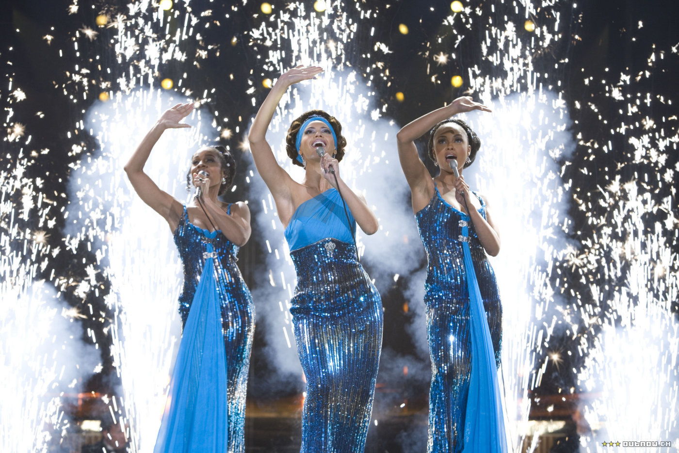 dream girls The sensational tony and olivier award-winning musical dreamgirls is playing to standing ovations every night at the savoy theatre official website.