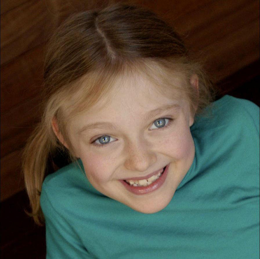 SweetandTalented.com- Your Online Source for Celebrity Photos Dakota Fanning