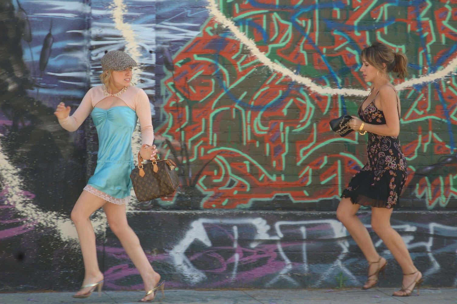 Смотреть фильм Реальные девчонки онлайн бесплатно.